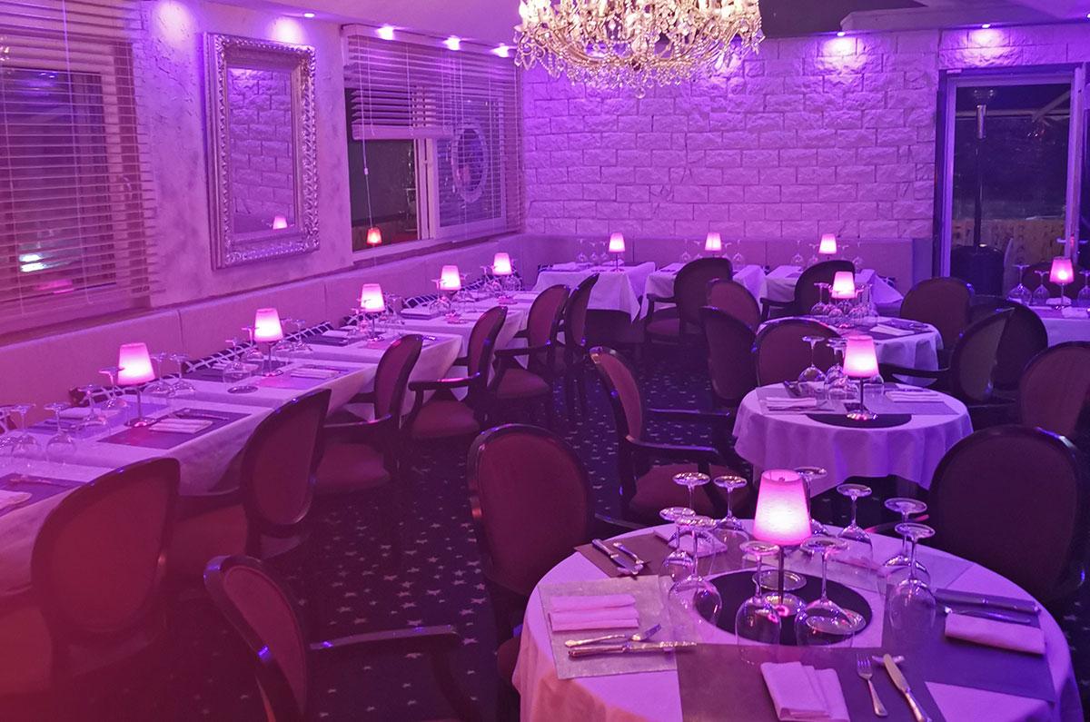 Vue de la salle redécorée du restaurant gastronomique Dans les Etoiles - Cergy